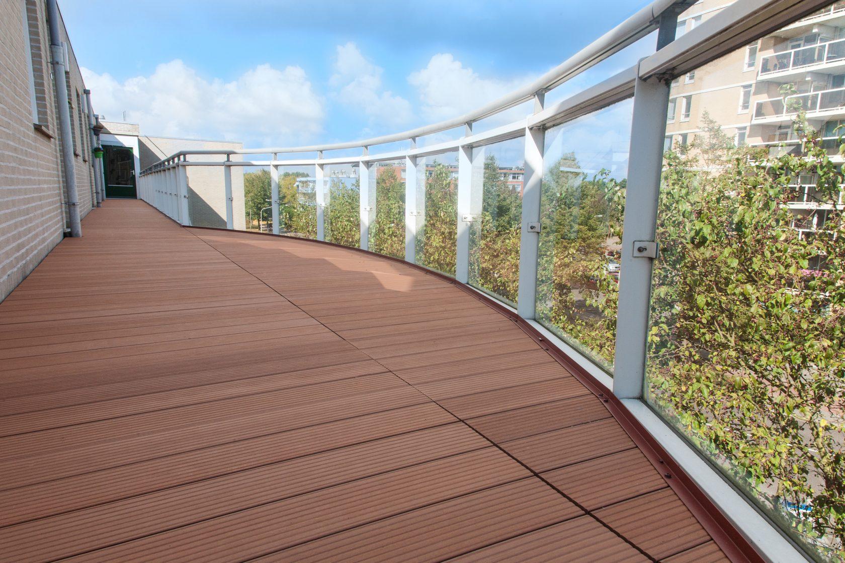 Vaak Kunststof balkonvloer? - Veelzijdig.nu - Specialist in balkonvloeren QO62